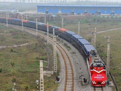 Китай запустил в Россию свой первый контейнерный поезд