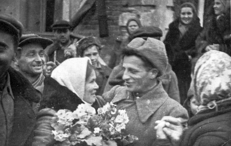 Встреча освободителей винничанами 20 марта 1944 года