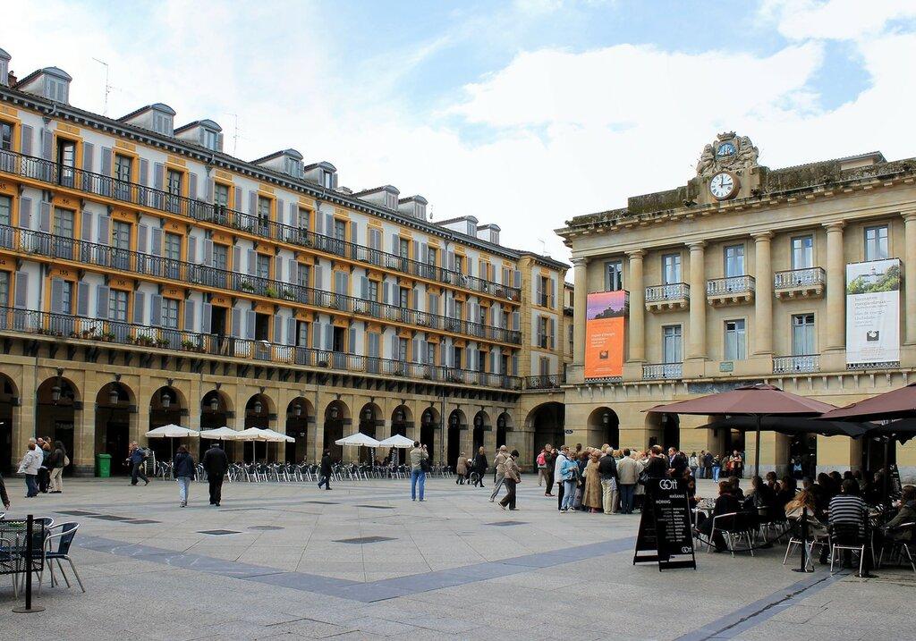 Доностия-Сан-Себастьян. Площадь Конституции (Plaza de la Constitución)
