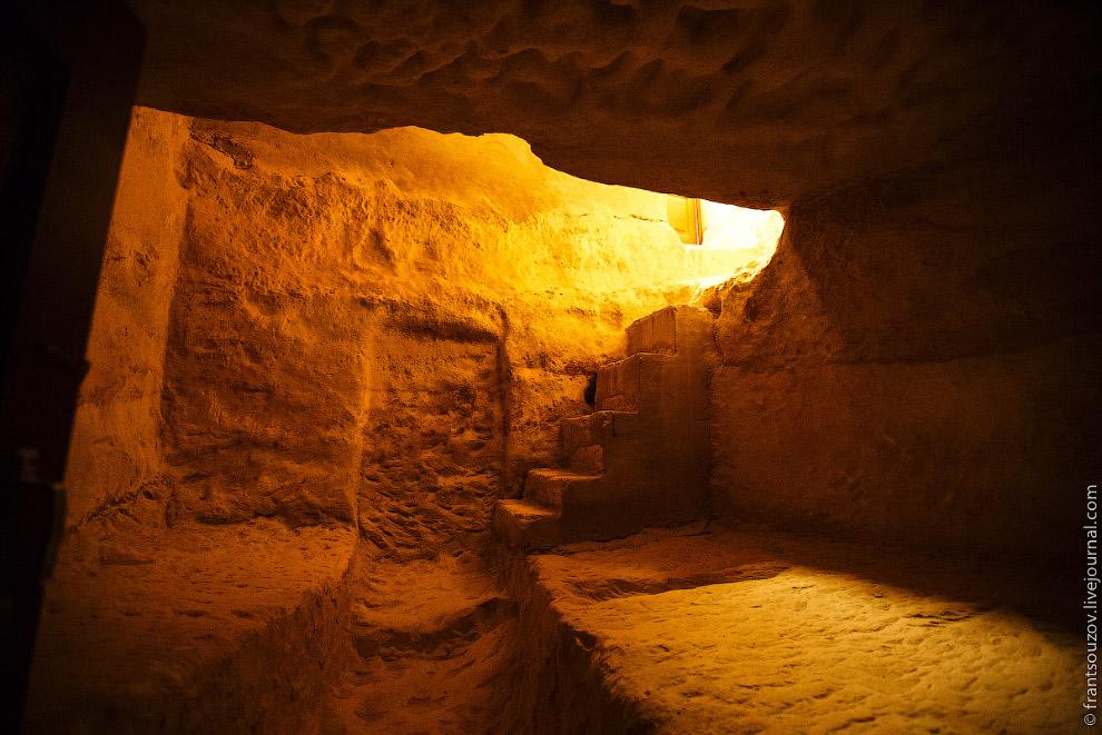 33. Природа сама создала этот храм, а пришедшие сюда мастера-камнерезы только приспособили его