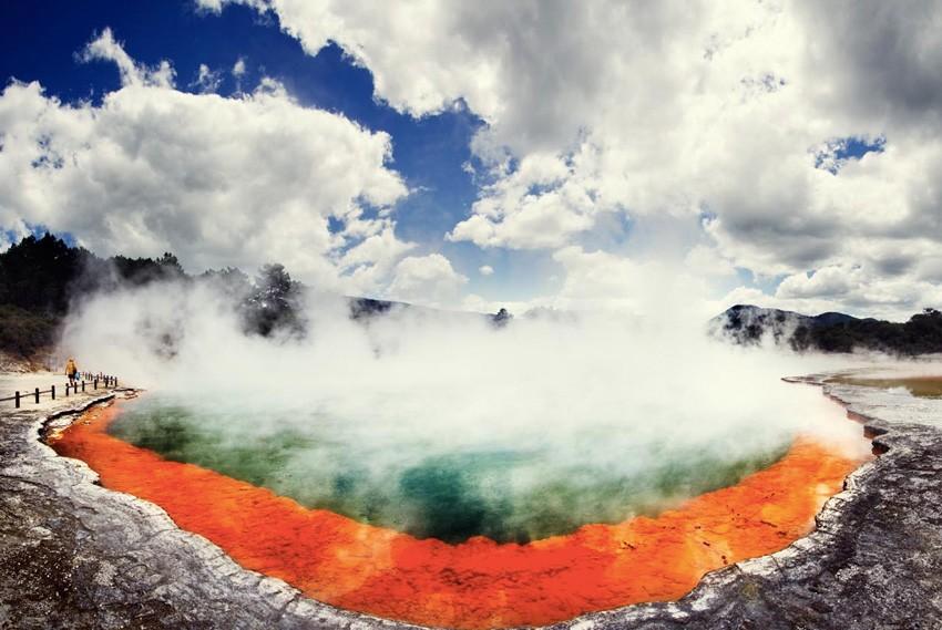 3. Уаи-О-Тапу, Новая Зеландия В этой области с высокой геотермальной активностью сосредоточено множе