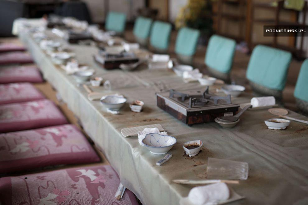 15. Японец Коуйчи Нозава живет со своей женой во временном доме возле Фукусимы после эвакуации