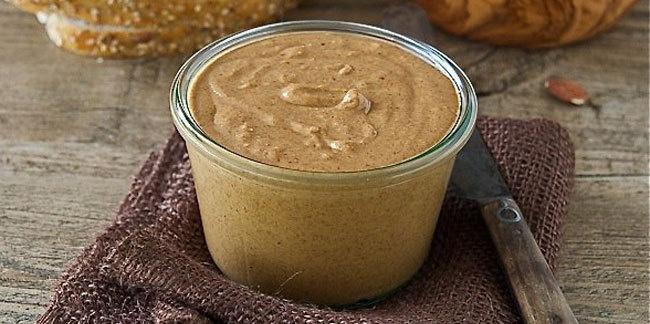 Ингредиенты: 4ст.л. арахисового масла (паста) 180–200мл воды 4ст.л. соевого соуса 2ст.л. кунж