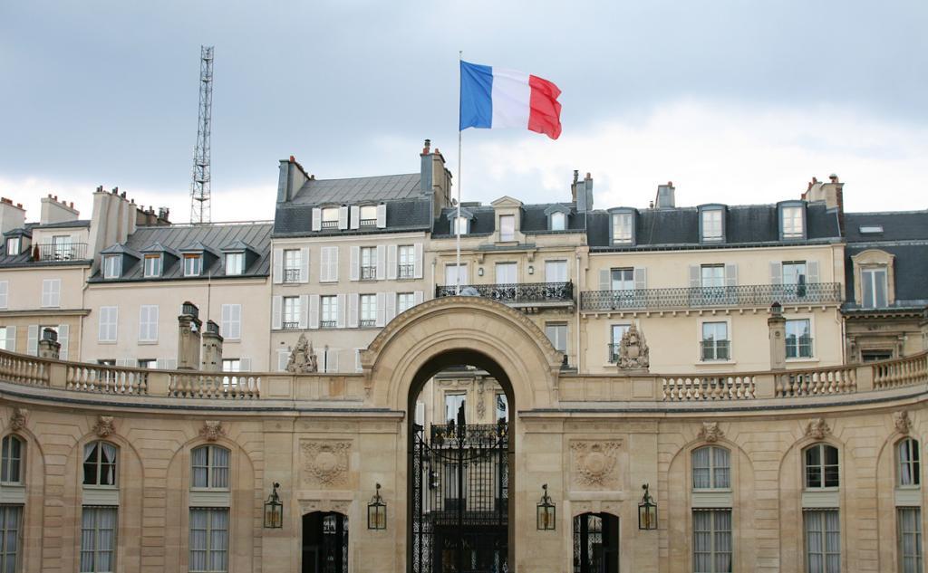 Франция. Париж. Елисейский дворец является резиденцией Президента страны. (Nicolas Nova) Королев