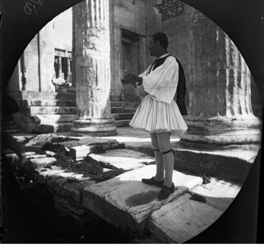 Охранник Акрополя