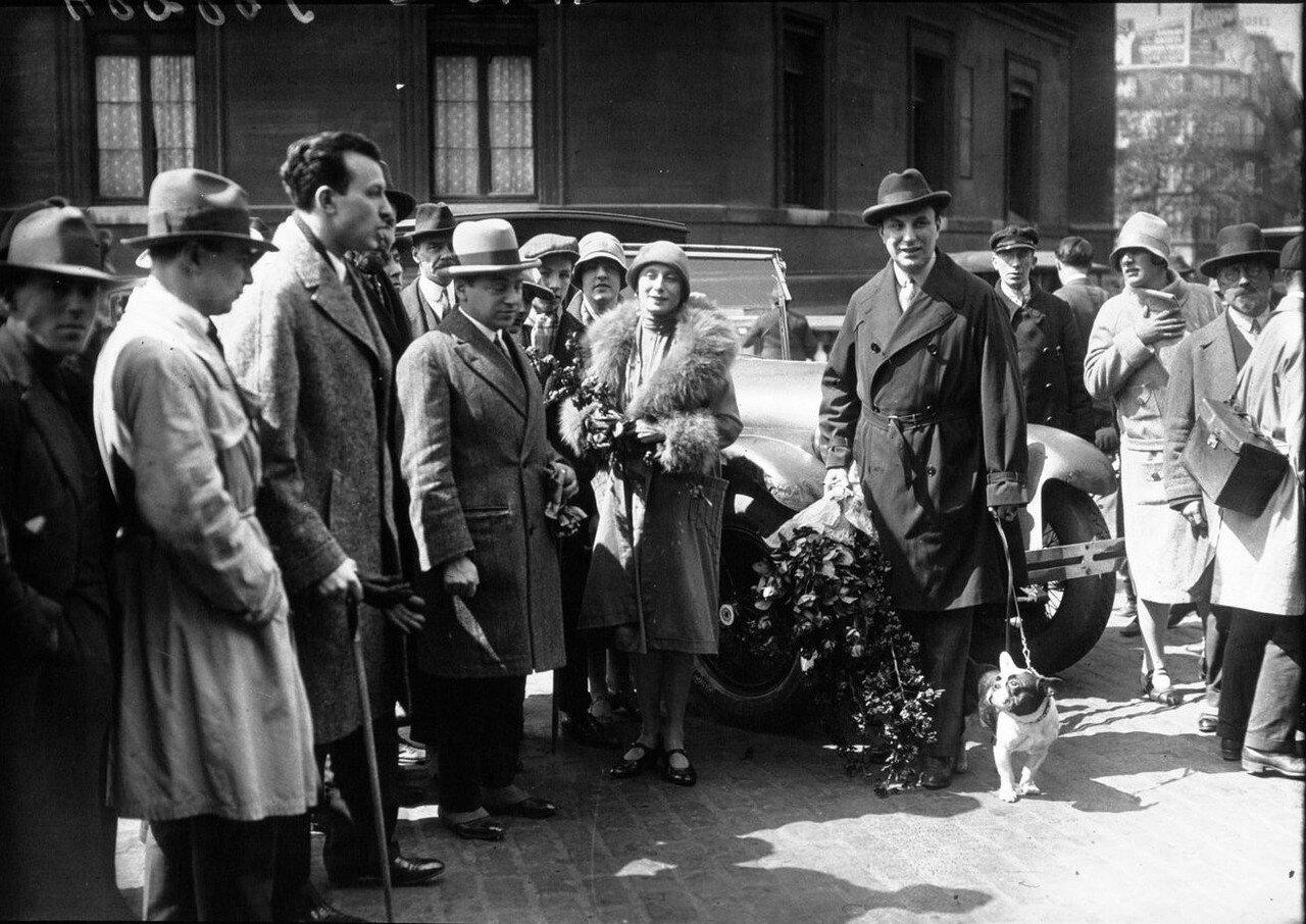 1928. Балерина Павлова на Лионском вокзале