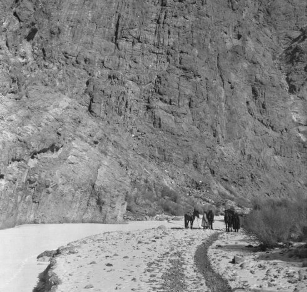 Русло реки Терек между Кельпином и Учтурфаном