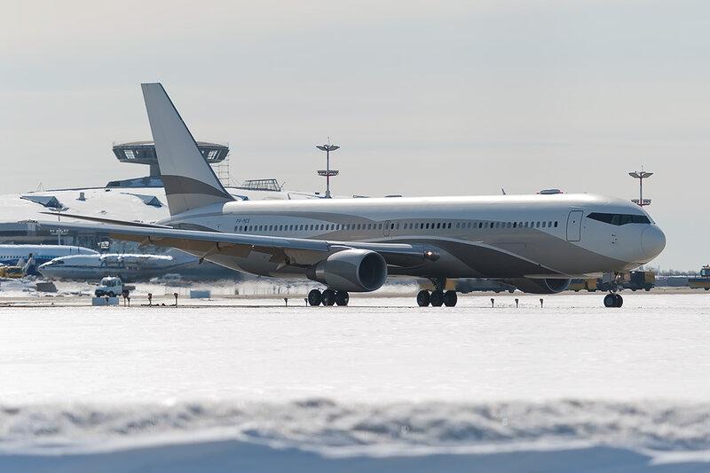 Boeing 767-33A/ER (P4-MES) DSC_8682