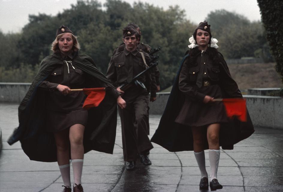 1975 Украина, Киев. Смена караула на могиле неизвестного солдата.jpg