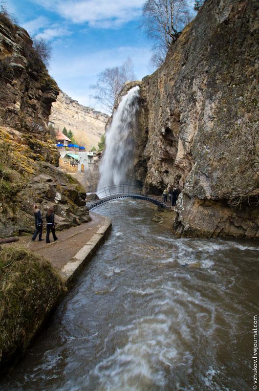 Посмотреть все водопады можно