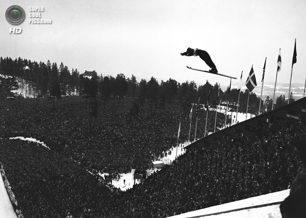 Норвегия. Осло. 24 февраля 1952 года. Вид с вершины холма в Хольменколлене во время соревнований по