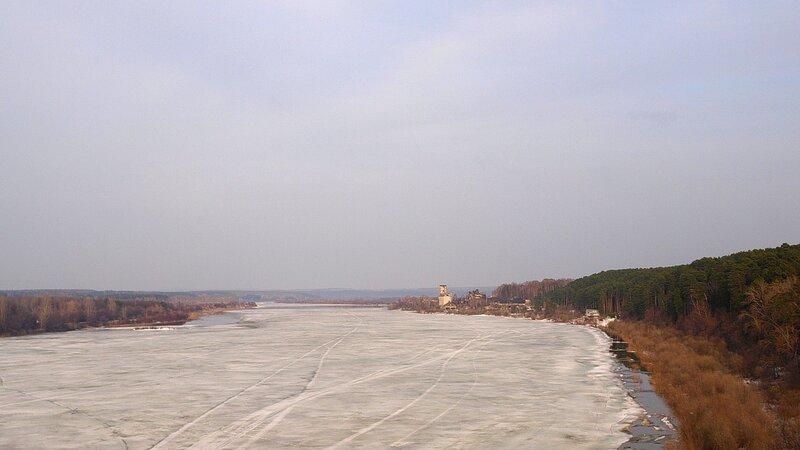 река Вятка весной