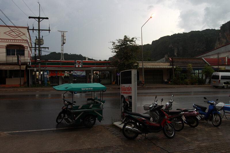 Землетрясение в Таиланде. Обстановка в Краби перед цунами