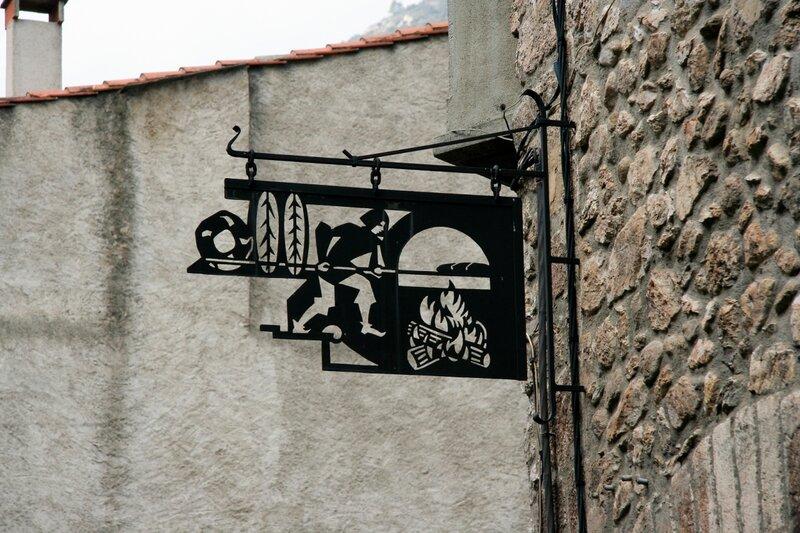 Старинная вывеска, Вильфранш-де-Конфлан