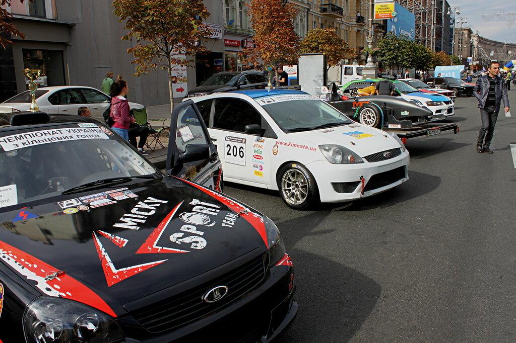 Автомобили для кольцевых гонок