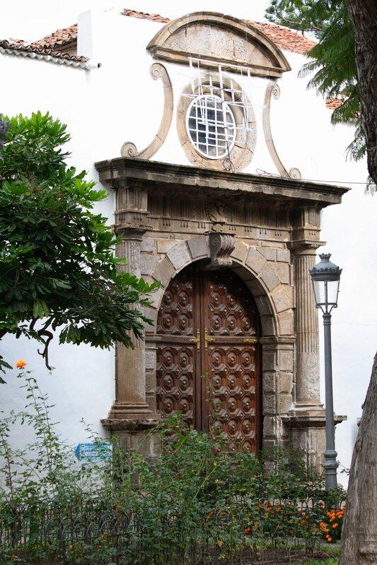 Драконовое дерево в Икод де лос Винос, Тенерифе