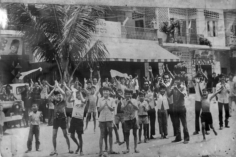 17 апреля 1975 г. Красные кхмеры входят в Пномпень