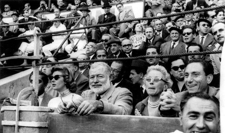 Эрнест и Мери Хемингуэй в Сарагоссе, 1956 г.