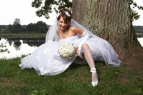golaya-nevesta-na-svadbe-podsmotrennoe-foto