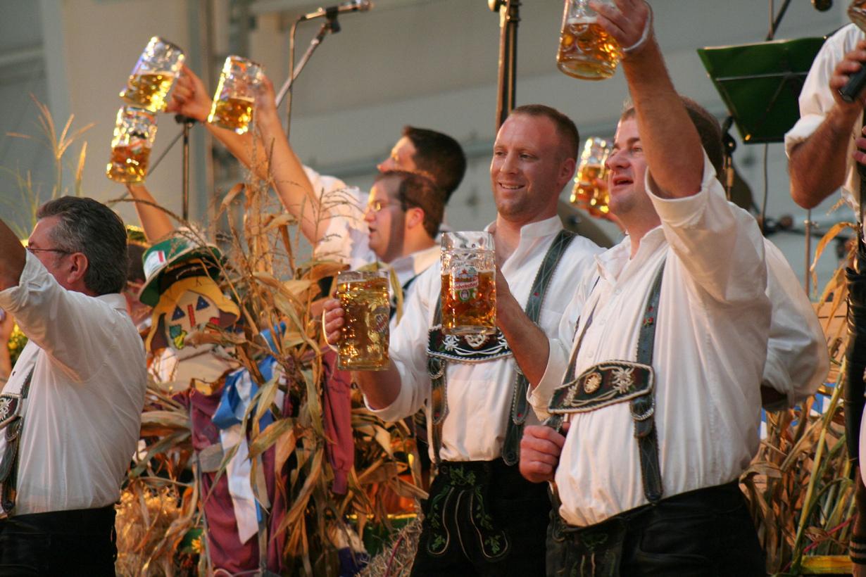2 место. Октоберфест — баварский праздник пива, который проводится ежегодно во второй половине сентя