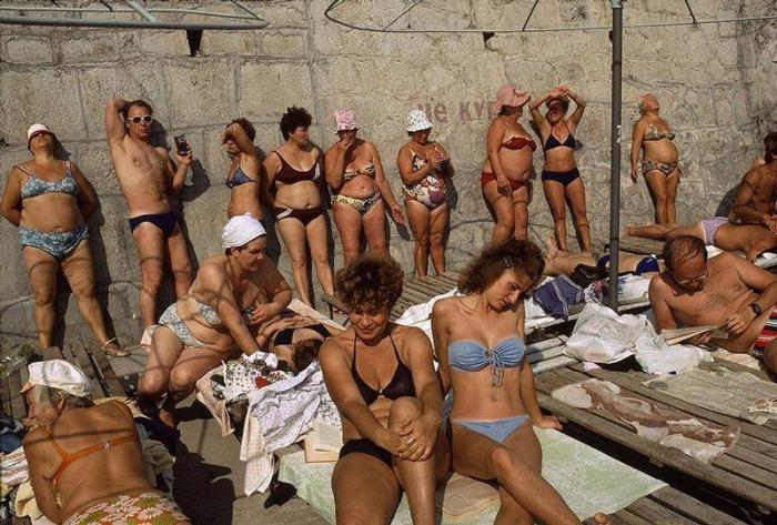 Любимый курорт многих людей на Чёрном море, 1988 год. Фотограф Бруно Барби (Bruno Barbey). 19. Перес