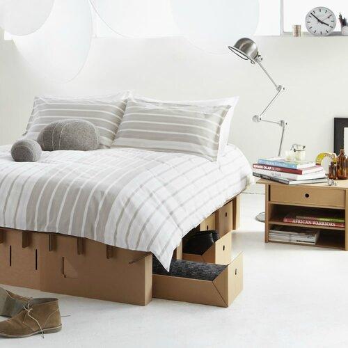 Картонная мебель кровать