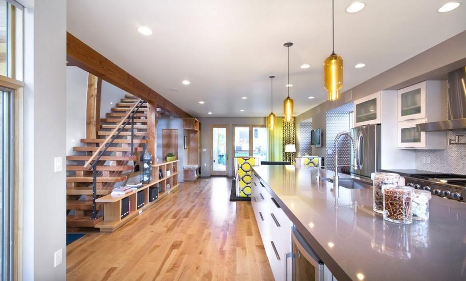 Shield House от Studio H:T в Денвере штат Колорадо