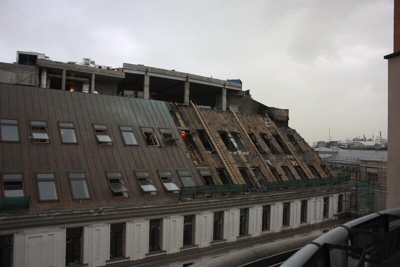 Сгоревшая крыша. Никольская улица, 12.