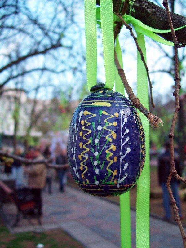 Киев Писанка на дереве