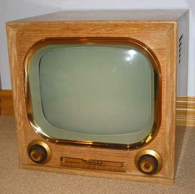 один из первых телевизоров. 60-е