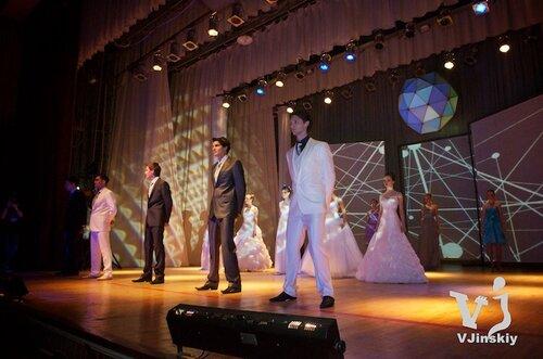 Вертикальные проекционные экраны на Свадебной Ярмарке 2012