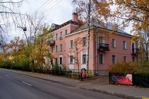 Дибуновская ул. 9