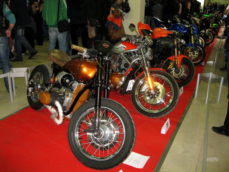 Мотосалон IMIS-2012 в «Гарден Сити». Экспонаты Зоны кастомайзинга.
