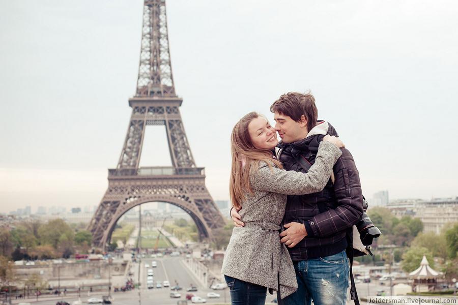 фото на фоне эйфелей башни