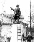 Памятник Ленину - после взрыва.jpg