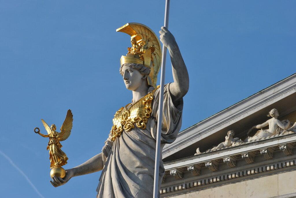 Фрагмент статуи Афины Паллады