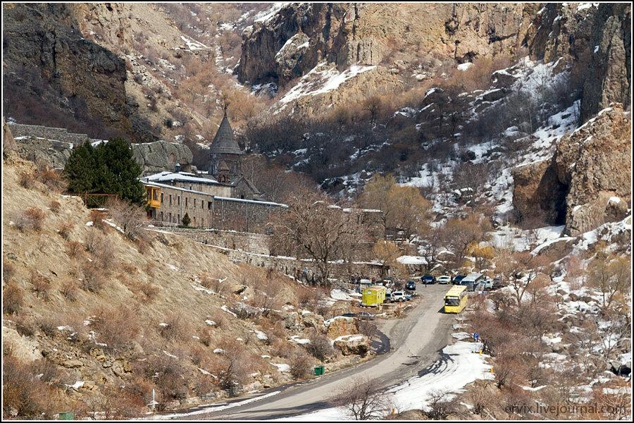 Блеск и нищета Армении: Пещерный монастырь Гегард