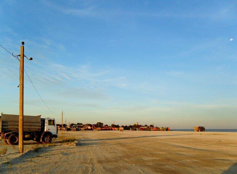 На песчаной площади ... SAM_2095.JPG