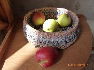 корзинка плетеная из лоскутков