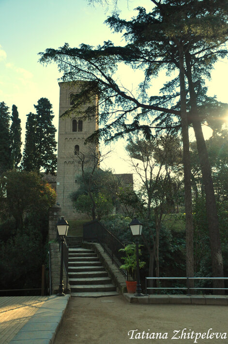 церковь на холме