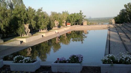 Озеро слёз на Мамаевом Кургане.