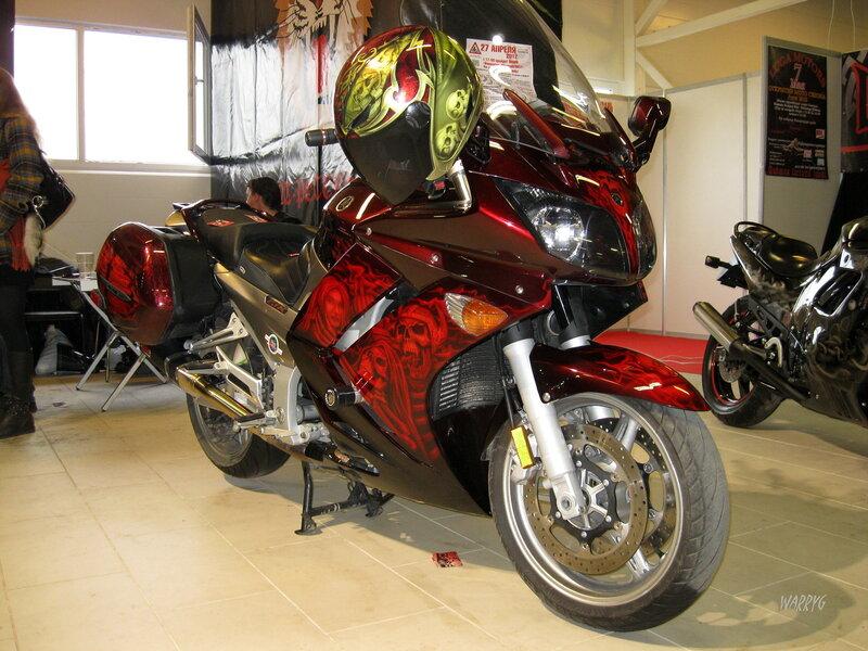 Мотоцикл с аэрографией.