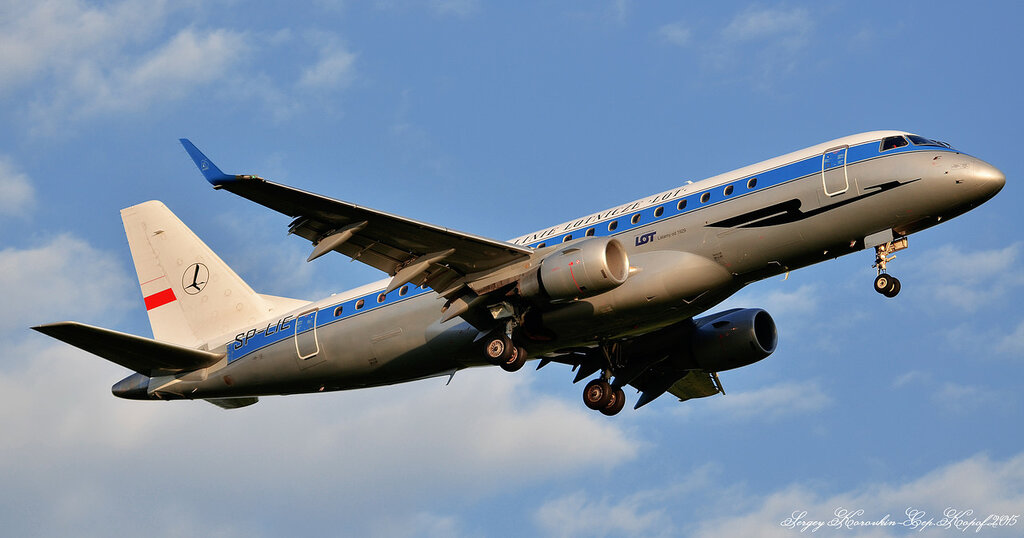 Embraer ERJ-175 LOT (Retro Livery) SP-LIE.JPG