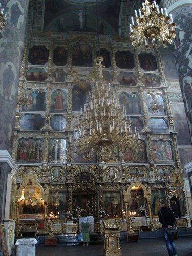 Собор во имя Донской иконы Божией Матери,1693 г., 8-ярусный резной иконостас