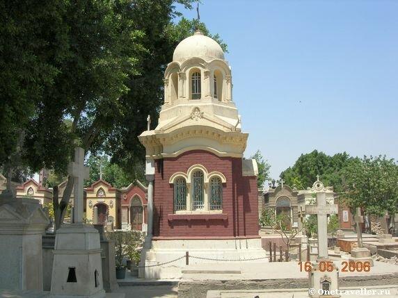 Кладбище в храмовом комплексе Каира