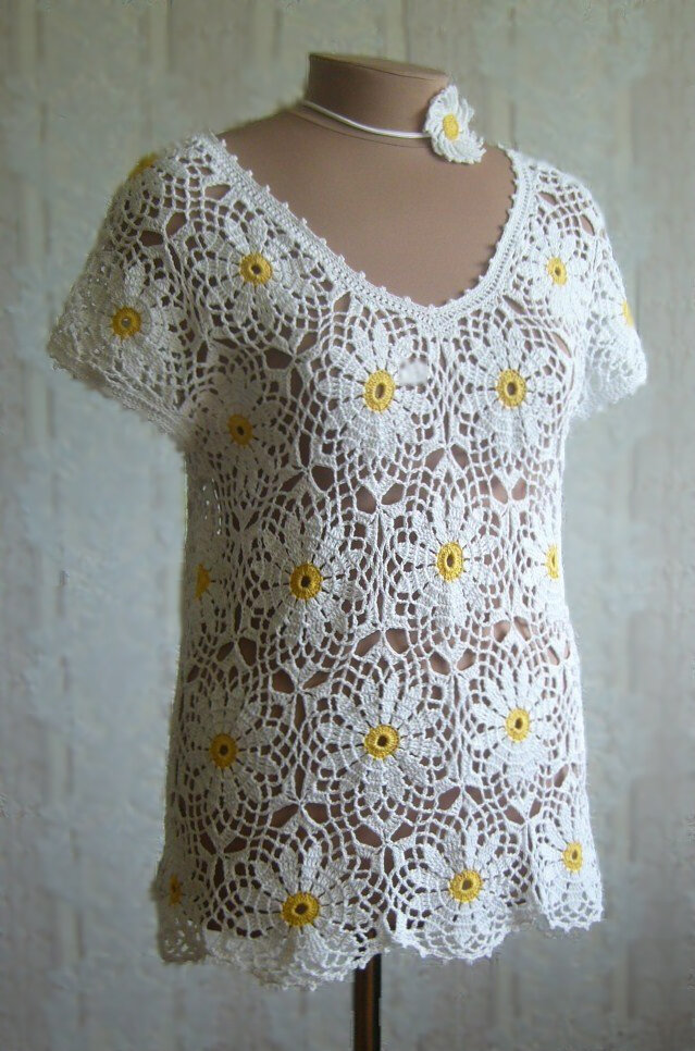 crochet tunic with daisy flowers