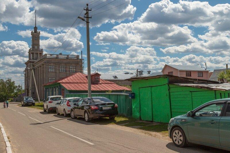 Улица Чкалова и дом культуры имени Чкалова