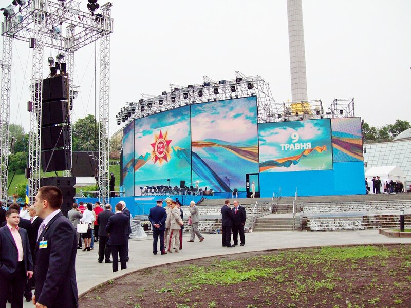 Сцена Дня Победы 2012 на Майдане Незалежности