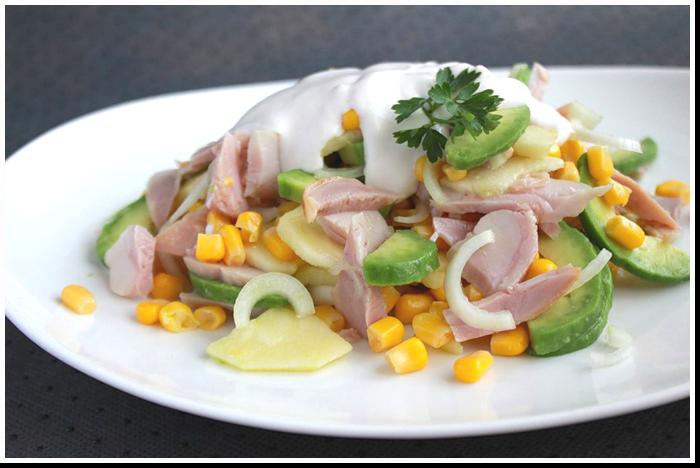 салат с копченной курицей и авакадо фото рецепт