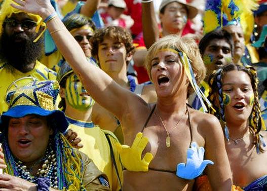 Украинские болельщицы готовы к футбольному Евро-2012